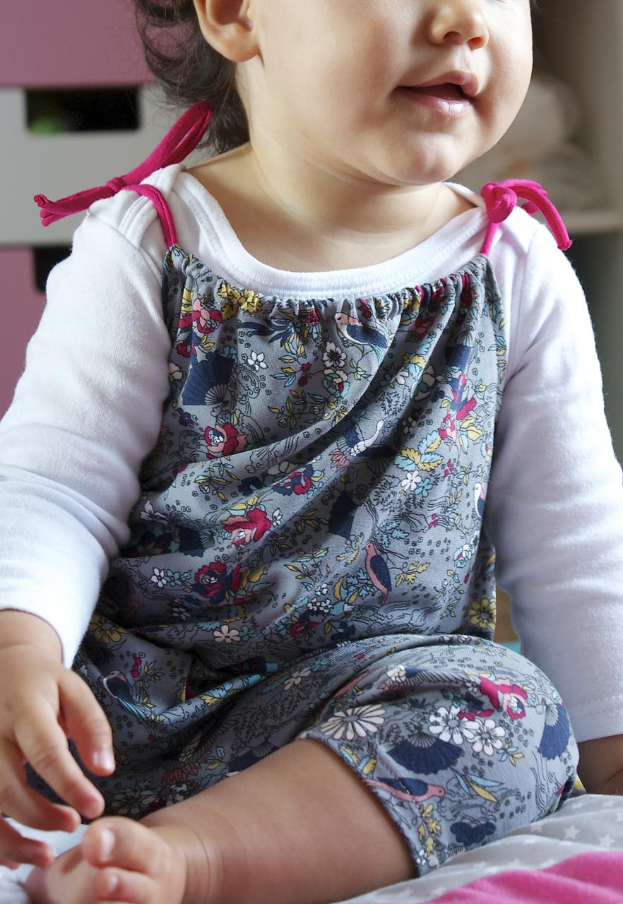 Petite fille en Sacopette Osaka