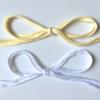 Nouettes jaune pâle et blanc